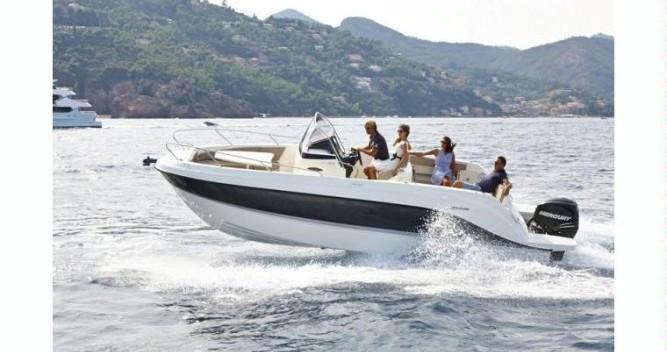 Boat rental Quicksilver Quicksilver 805 Open in Le Grau-du-Roi on Samboat