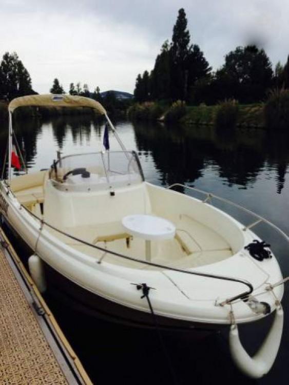 Rental Motor boat in Cannes - Jeanneau Cap Camarat 635