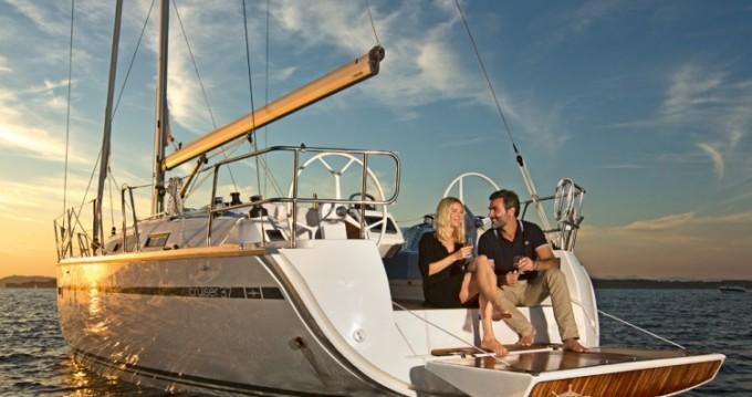 Rental yacht Lisbon - Bavaria Cruiser 37 on SamBoat