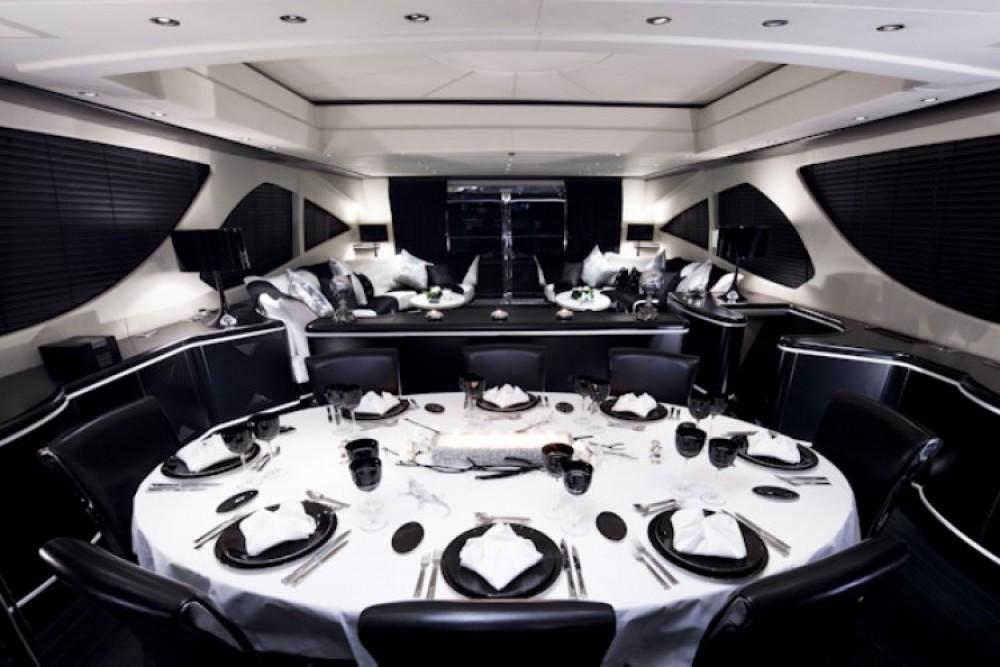 Location yacht à Cannes - Mangusta Mangusta sur SamBoat