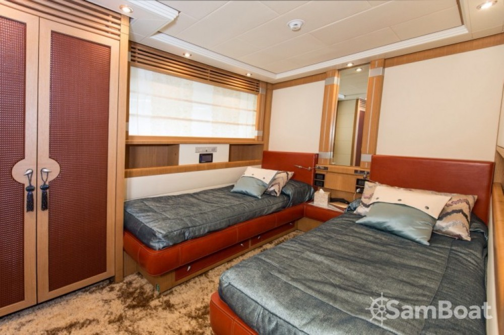 Louer Yacht avec ou sans skipper International-Shipyard à Cannes