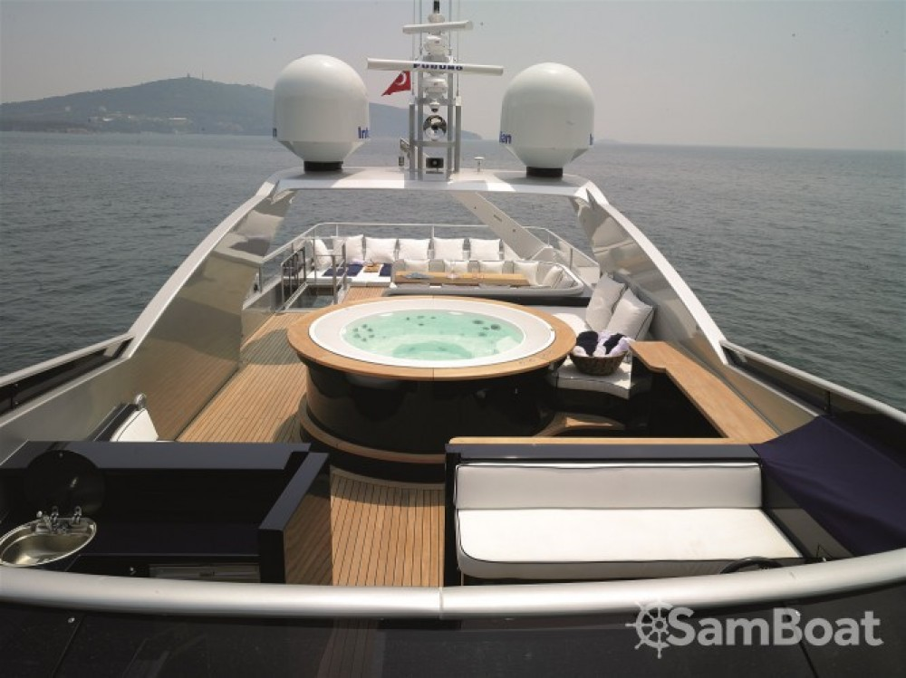 Location yacht à Cannes - H-Luxury-Yachting Luxury Yachting sur SamBoat