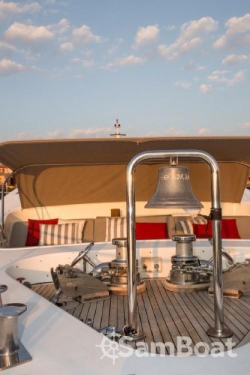 International-Shipyard Ancona entre particuliers et professionnel à Cannes