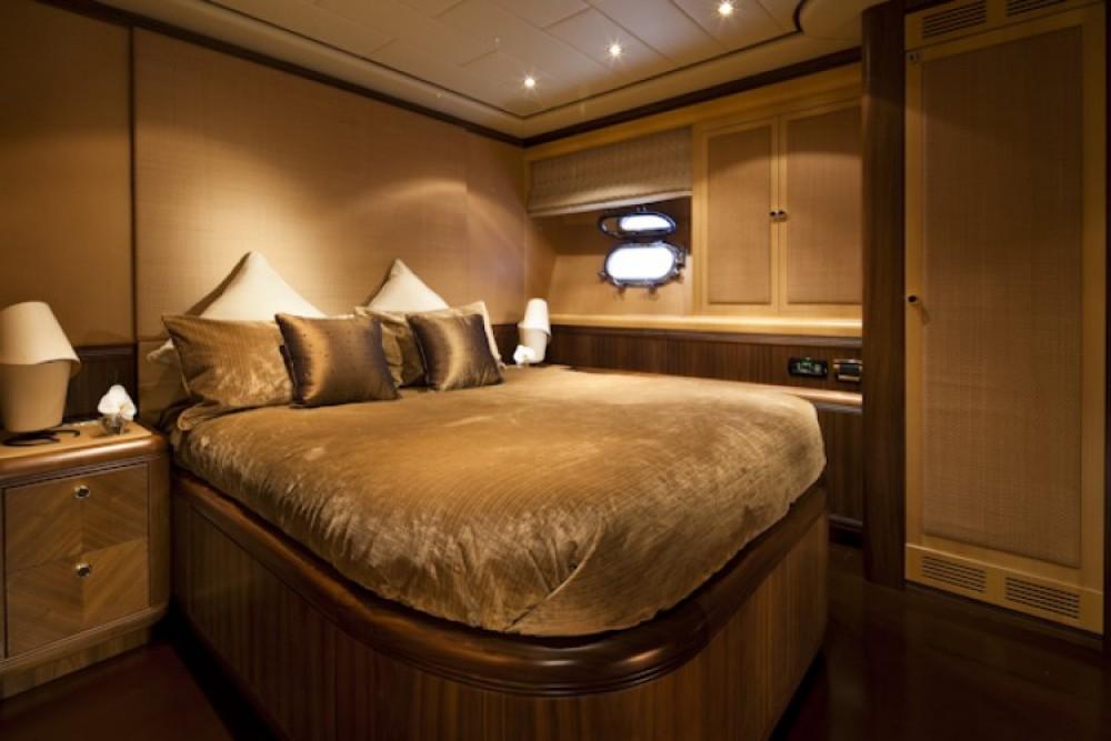 Location Yacht à Cannes - Mangusta Mangusta