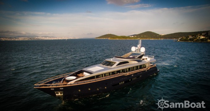 Location Yacht à Cannes - H-Luxury-Yachting Luxury Yachting