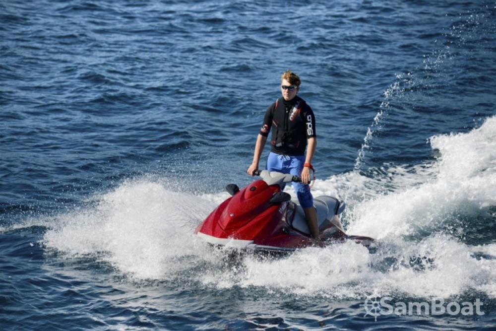 Yachten mieten in Antibes zum besten Preis