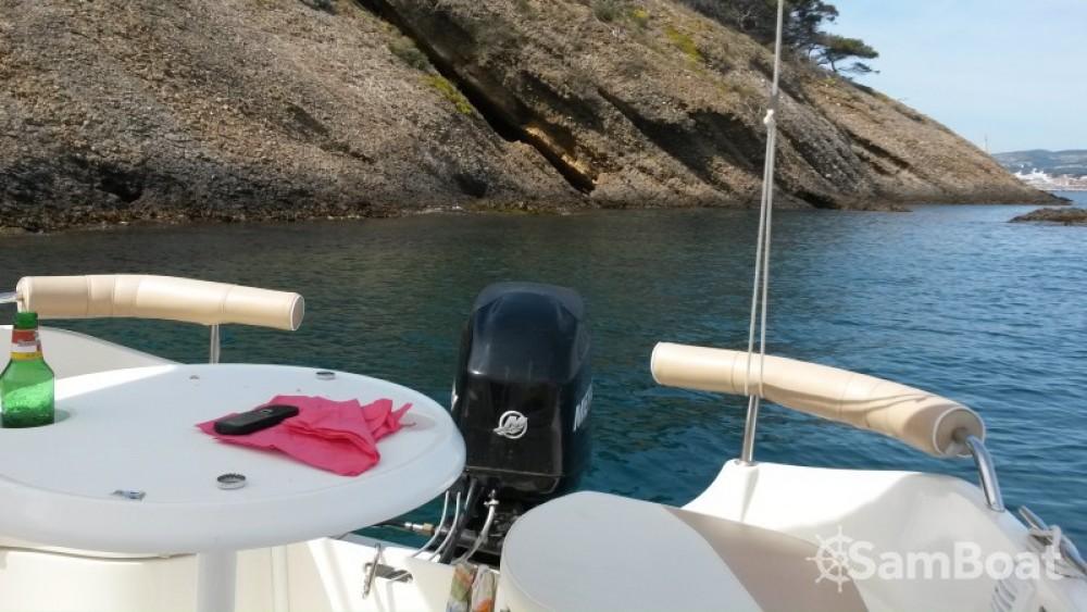 Louer Bateau à moteur avec ou sans skipper Quicksilver à La Ciotat
