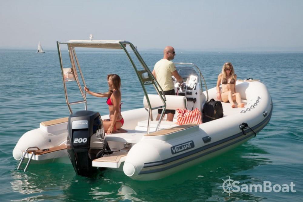 Bootverhuur La Rochelle goedkoop Valiant 685 Classic