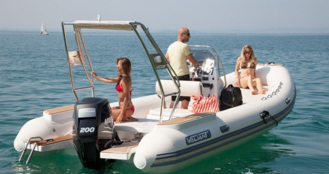 Rental yacht La Rochelle - Valiant Valiant 685 Classic on SamBoat