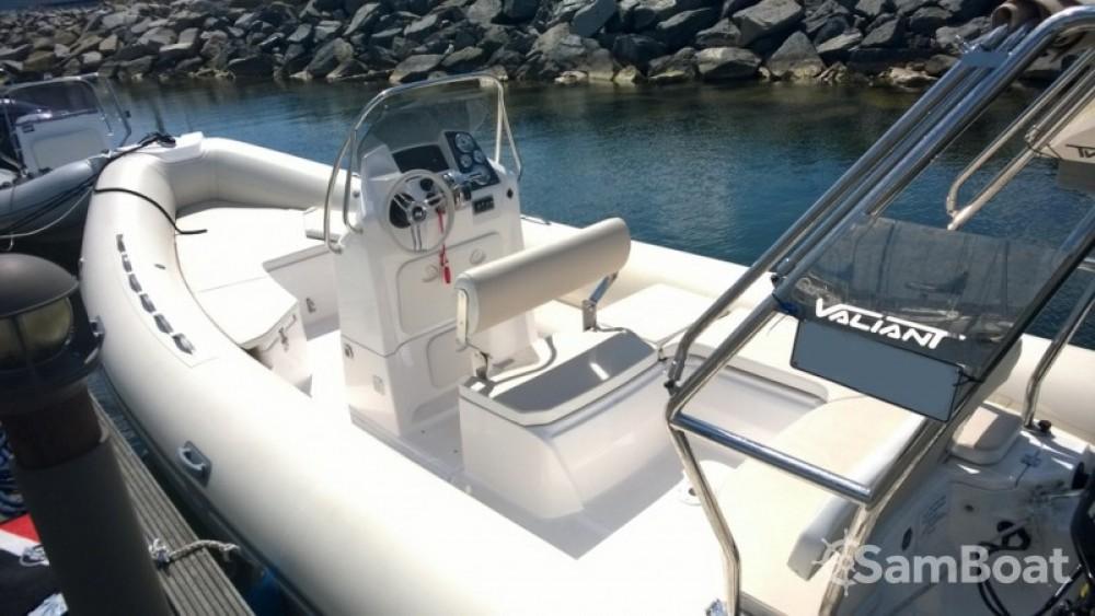 Verhuur Rubberboot Valiant met vaarbewijs