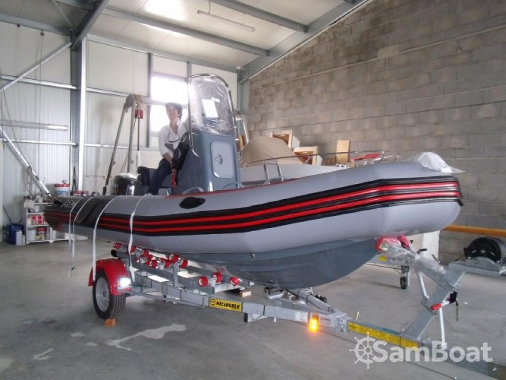 Alquiler de barcos Zodiac PRO RACING 5. enL'Île-d'Yeu en Samboat