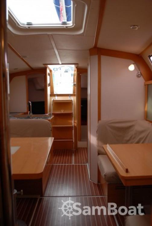 Location bateau Marseille pas cher Hanse 370