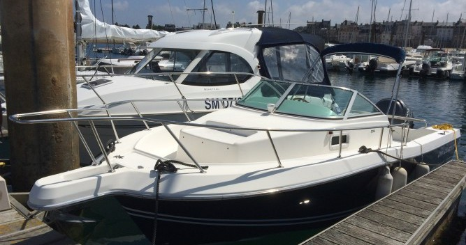 Hire Motor boat with or without skipper White Shark Saint-Malo
