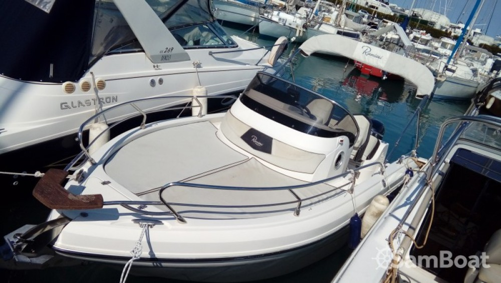 Location bateau Nice pas cher Shadow 20