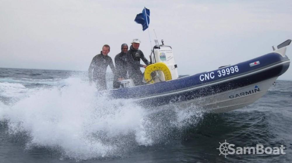 Louer Semi-rigide avec ou sans skipper Avon à Courseulles-sur-Mer