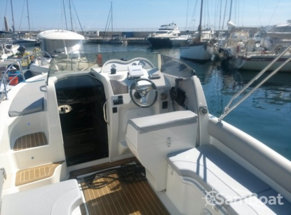 Bateau à moteur à louer à Marseille au meilleur prix