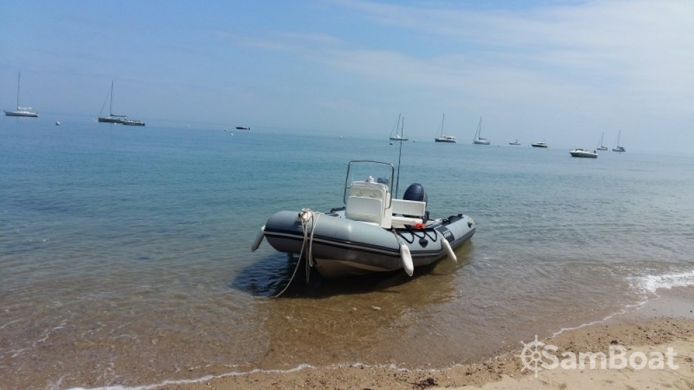 Boat rental Zodiac Pro 12 Man in Pornic on Samboat