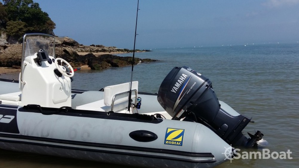 Rental RIB Zodiac with a permit