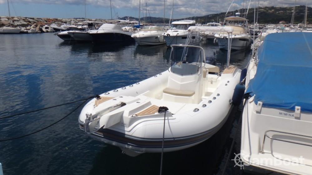 Bootverhuur Capelli Tempest 700 in Sainte-Maxime via SamBoat