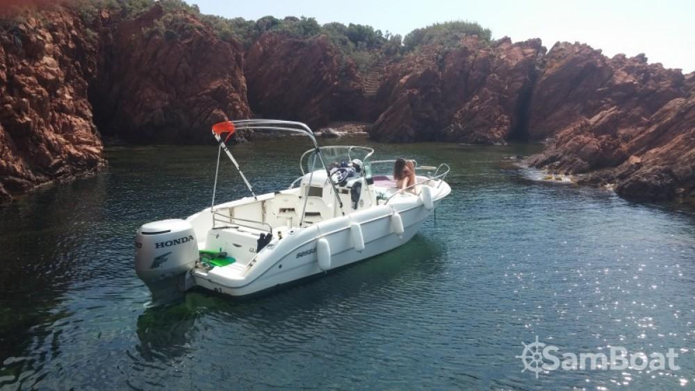 Sessa Marine Key Largo 20 entre particuliers et professionnel à Saint-Raphaël