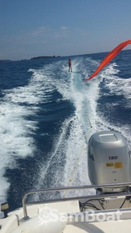 Louez un Sessa Marine Key Largo 20 à Saint-Raphaël
