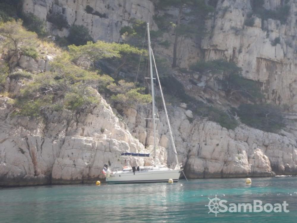 Location bateau Bénéteau First 35 S5 à Attique sur Samboat