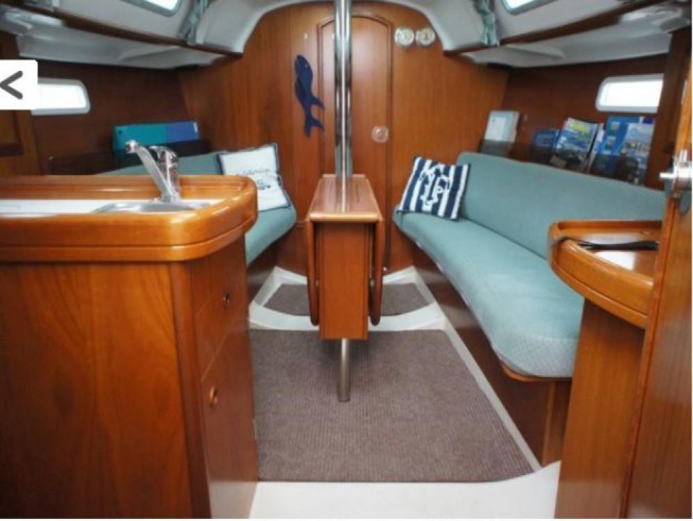 Location bateau Arzon pas cher Oceanis 311 DL