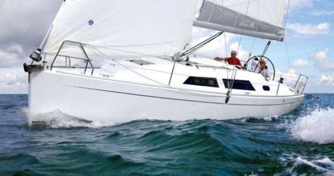 Location bateau Port du Crouesty pas cher Hanse 325