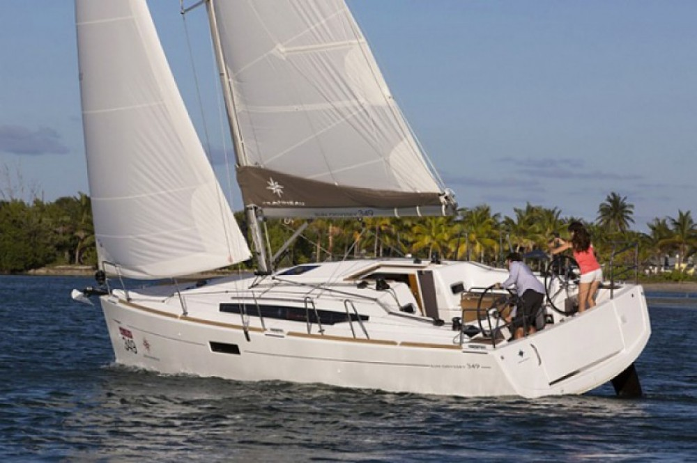 Hire Sailboat with or without skipper Jeanneau Arzon