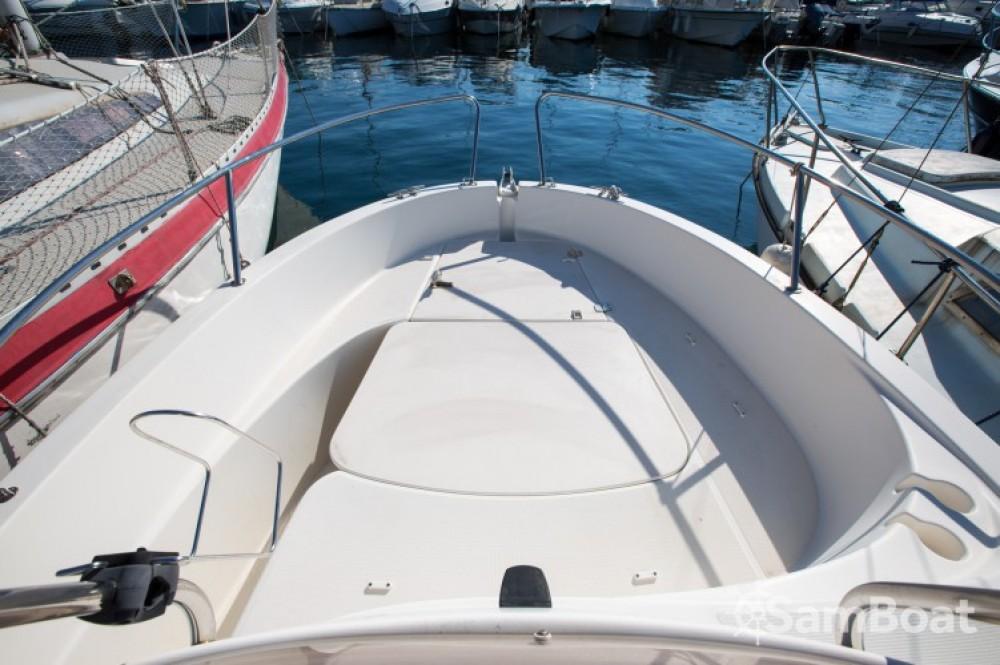Bootverhuur Jeanneau Cap Camarat 545 WA in Marseille via SamBoat
