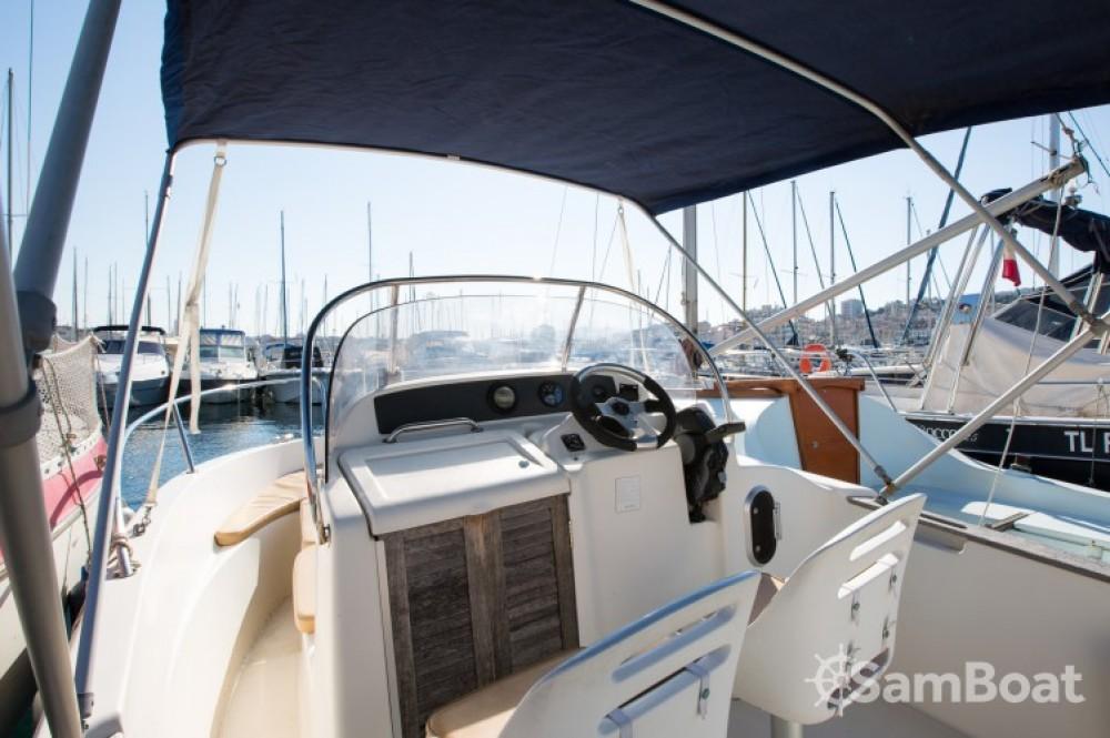 Location bateau Jeanneau Cap Camarat 545 WA à Marseille sur Samboat