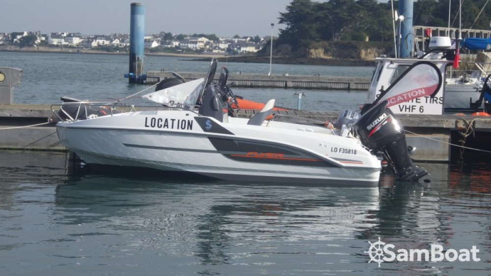 Hire Motor boat with or without skipper Bénéteau Lorient