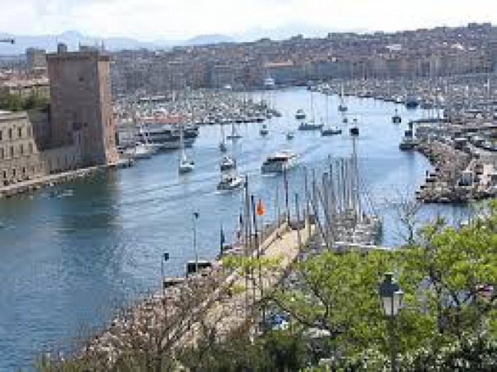 Location bateau Marseille pas cher Merry Fisher 530