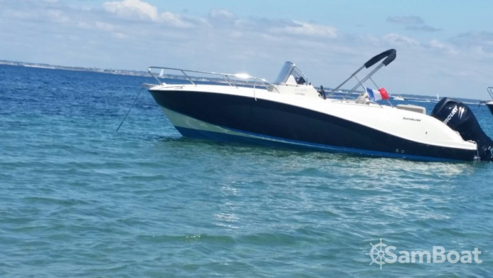 Boat rental Quicksilver Activ 675 Open in Lorient on Samboat