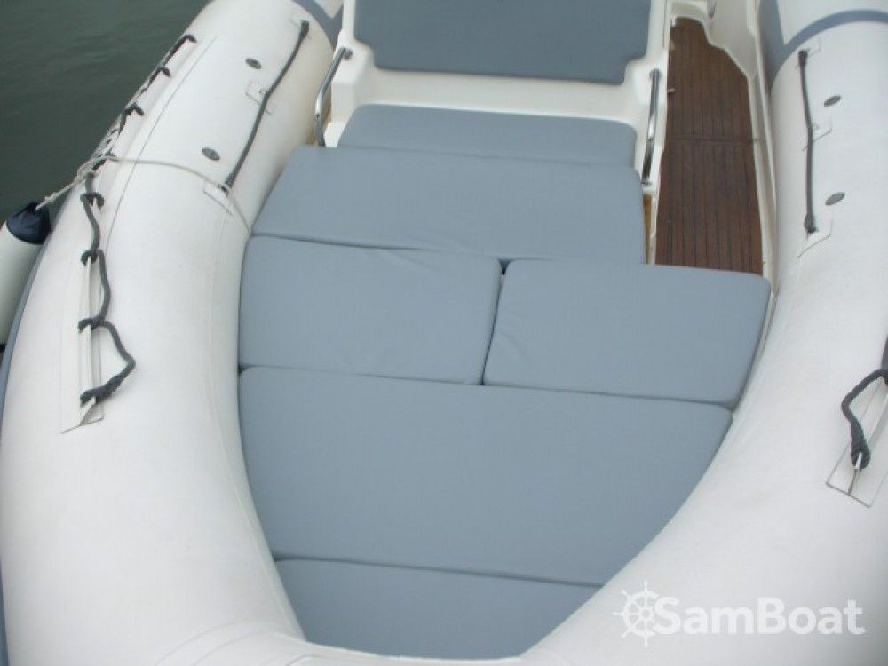Location bateau Hyères pas cher Clubman 26