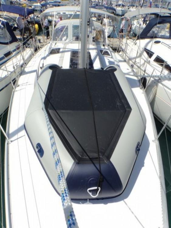 Ein Bavaria Bavaria Cruiser 37 mieten in ACI Marina Trogir