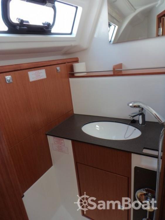 Location bateau ACI Marina Trogir pas cher Bavaria Cruiser 37