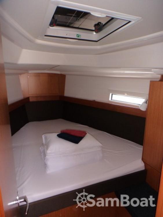 Bootsverleih ACI Marina Trogir günstig Bavaria Cruiser 37