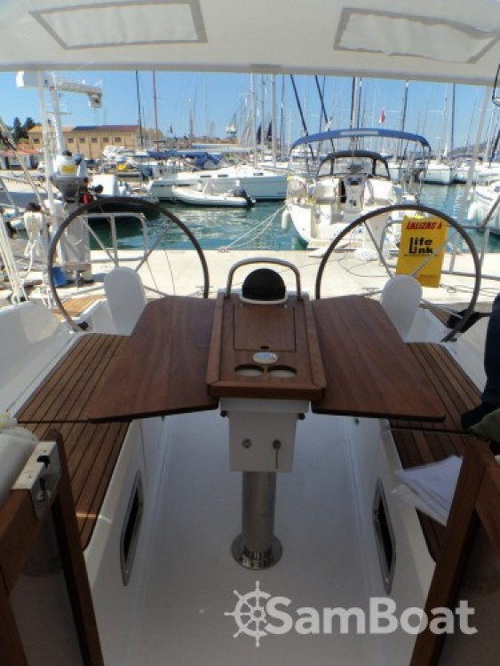 Segelboot mieten in ACI Marina Trogir - Bavaria Bavaria Cruiser 37