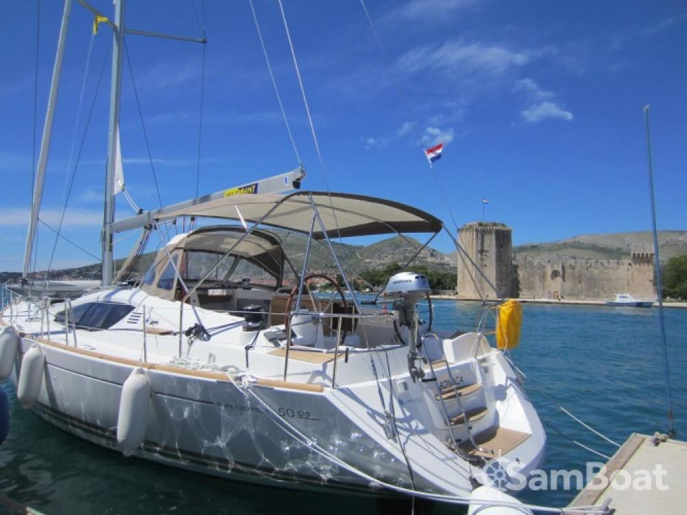 Location bateau Jeanneau Sun Odyssey 50DS à Marina Baotić sur Samboat