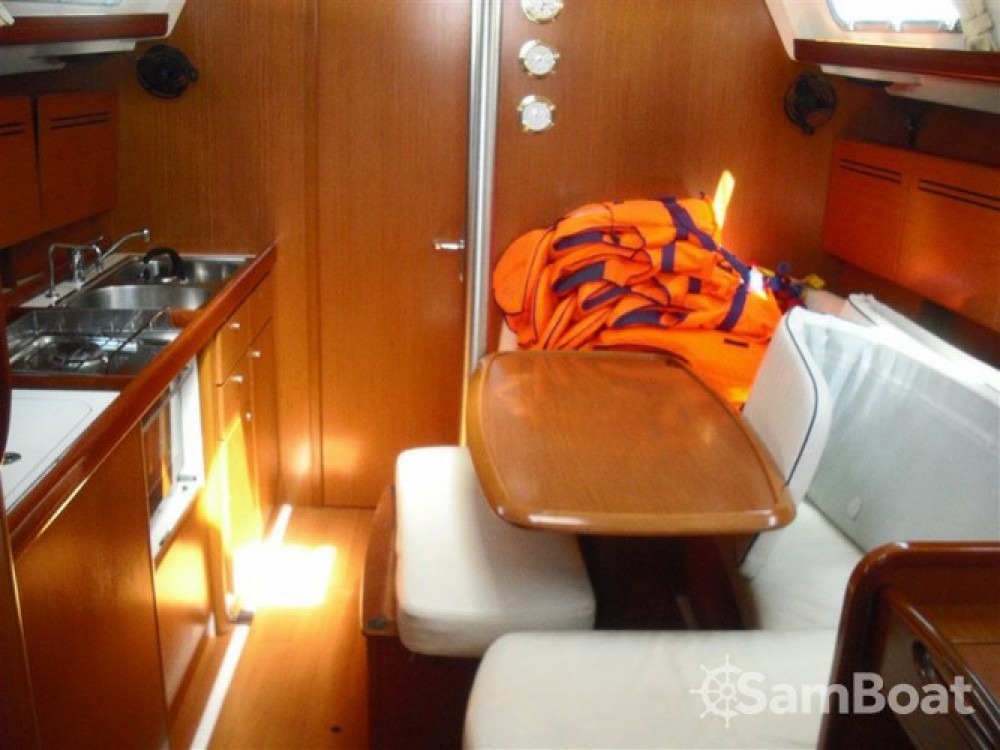 Location bateau Bénéteau Cyclades 39.3 à ACI Marina Dubrovnik sur Samboat