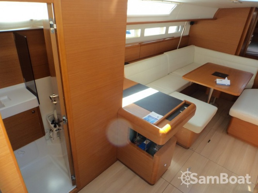 Jeanneau Sun Odyssey 509 entre particuliers et professionnel à ACI Marina Trogir