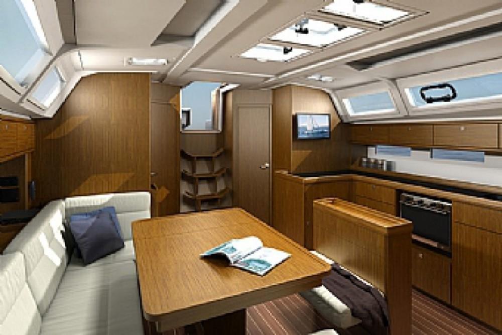 Bavaria Bavaria Cruiser 46 zwischen Privatpersonen und professionellem Anbieter ACI Marina Trogir