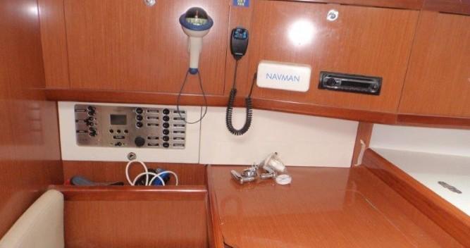 Bénéteau Oceanis 40 entre particuliers et professionnel à ACI Marina Trogir