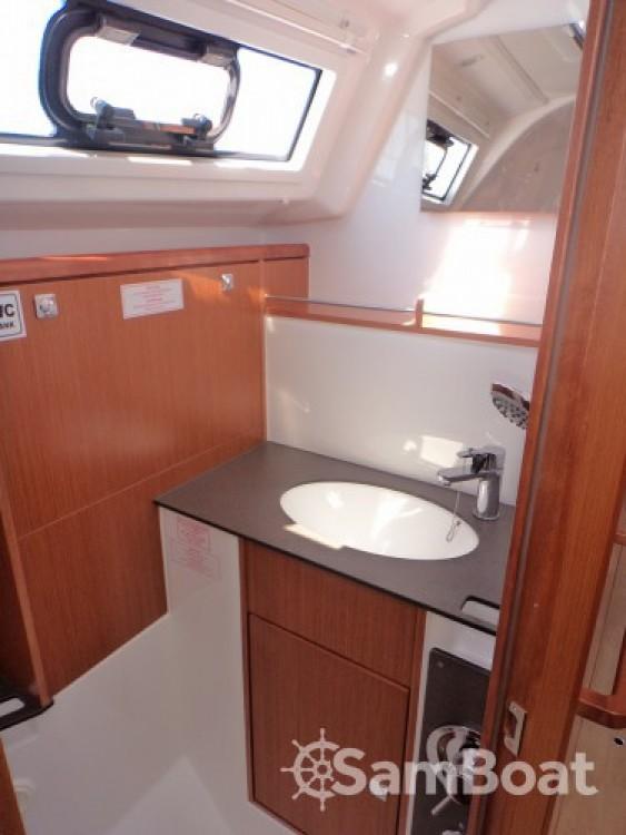 Bavaria Bavaria Cruiser 37 te huur van particulier of professional in ACI Marina Dubrovnik