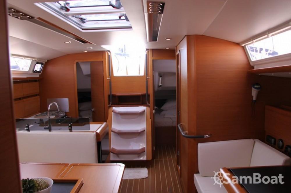 Location yacht à Marina Kaštela - Jeanneau Sun Odyssey 439 sur SamBoat