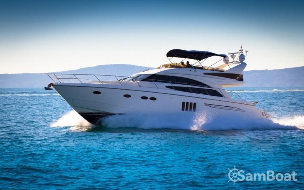Louer Bateau à moteur avec ou sans skipper Princess à ACI Marina Dubrovnik