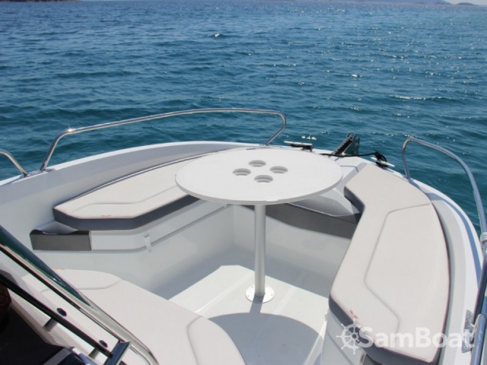 Bootsverleih Bénéteau Beneteau Flyer 6.6 Space Deck ACI Marina Trogir Samboat