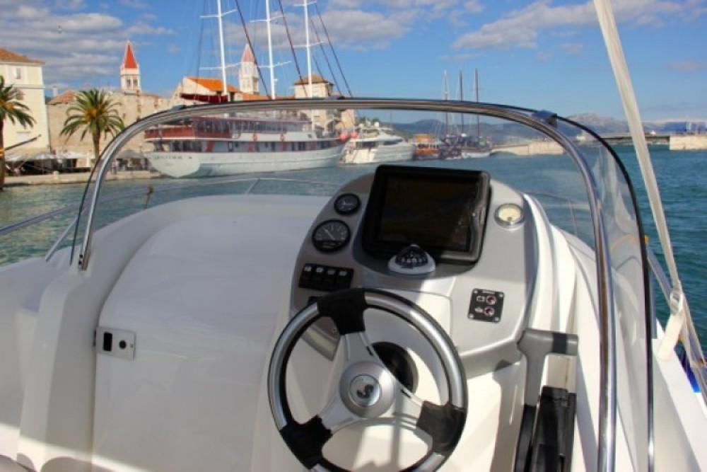 Boat rental ACI Marina Trogir cheap Flyer 550