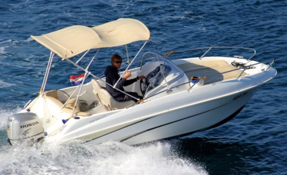 Bénéteau Flyer 550 between personal and professional ACI Marina Trogir